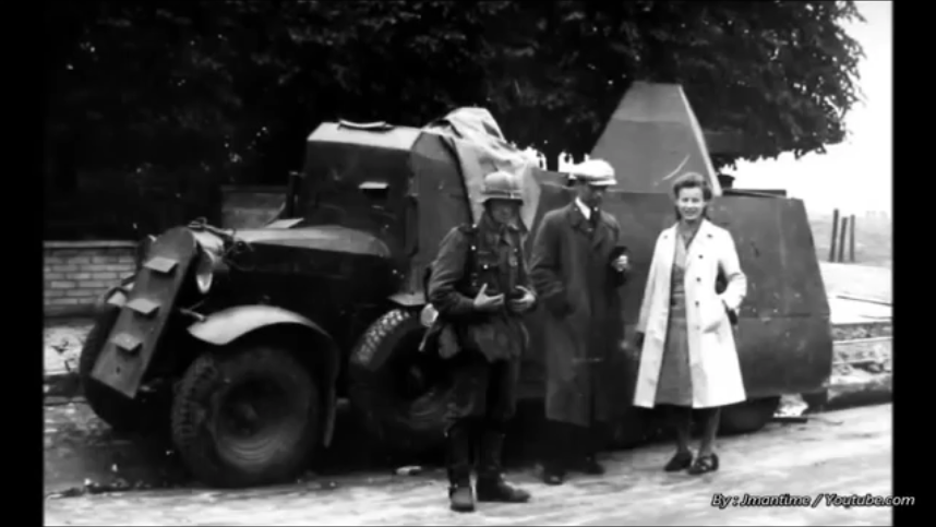 The same Armored ADG as in the previous photo. Note theGermansoldier who is probably from the 18th Army. Alsovisibleis a coating of white paint around the top of the turret.
