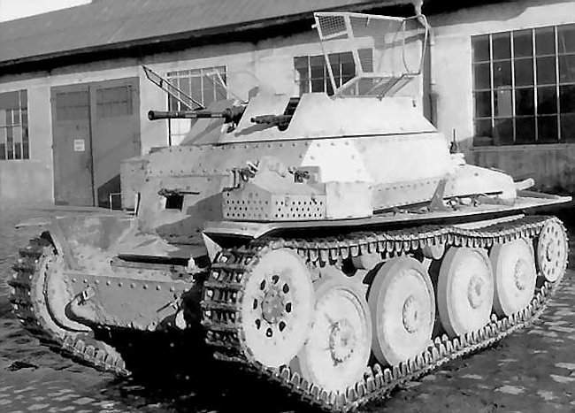 Aufklärungspanzer 38(t) mit 2cm KwK 38 (SdKfz 140/1) with different to the wheels