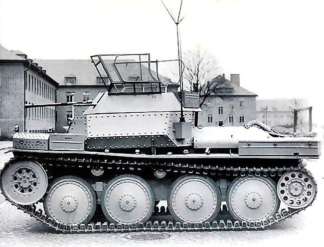 Aufklärungspanzer 38(t) mit 2cm KwK 38 (SdKfz 140/1) with areal