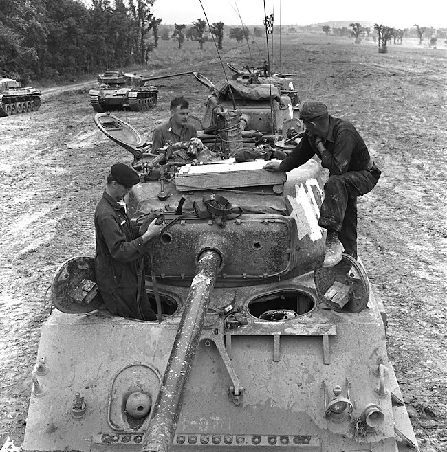 RCAC M4A2(76)W HVSS Sherman Tanks training with Centurion tanks in Canada