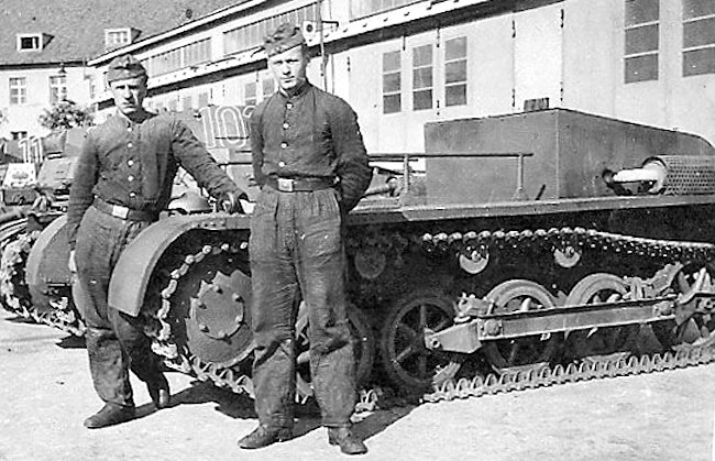 These vehicles were named Fahrschulepanzerwagen I Ausf.A