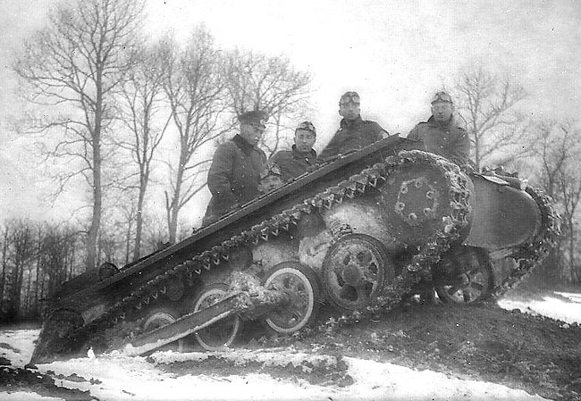Another image of a Fahrschulepanzerwagen I Ausf.A, at work in a winter scenery.