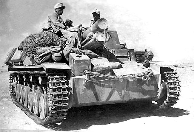 The gun barrel on this 15 cm sIG 33 auf Fahrgestell Panzerkampfwagen II (Sf) was fitted with a cover to stop dirt and sand getting inside