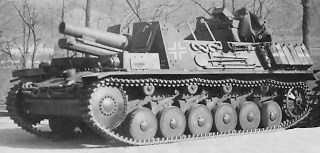 15 cm sIG 33 auf Fahrgestell Panzerkampfwagen II (Sf) with wet weather tarpaulin frame in place