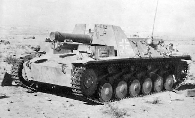 Abandoned 15cm s.l.G.33 auf Fahrgestell Pz.Kpfw.ll (Sf.) in North Africa 1941