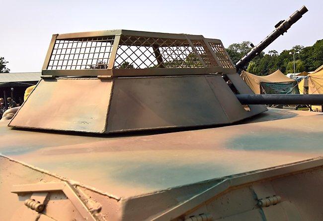 closed anti-grenade wire mesh tank turret cover