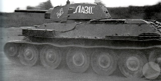 A standard T-34/76 produced at Stalingrad (STZ 264)