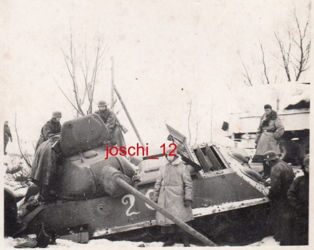 Notice the standard T-34 vision hatch