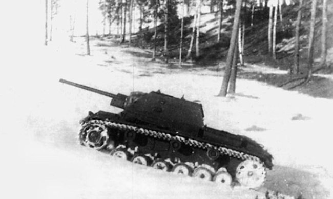 This Su-76i SPG does not have the external fuel tanks fitted to on the rear