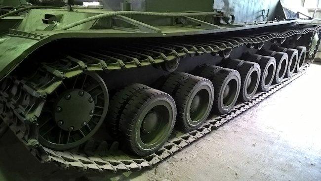 SU-100Y tracks