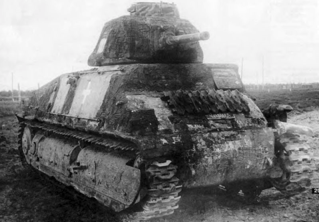 Former German Army Panzer S35 in Soviet hands, date unknown. Reportedly captured in Summer 1944 with a coating of either Zimmerit or Cement.