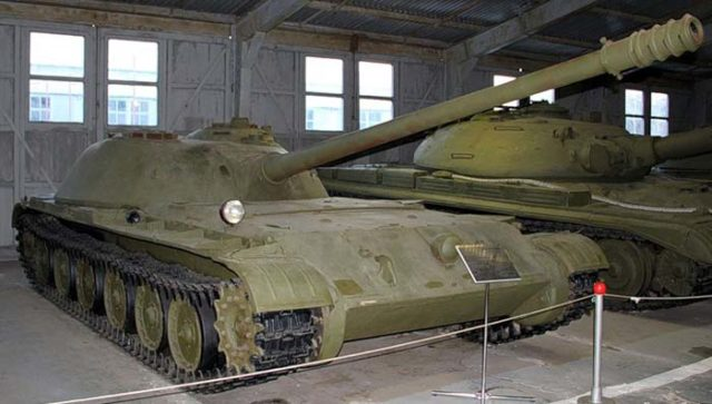 The Object 416 prototype in Kubinka. The low height of the vehicle can be observed. - Source: list-games.ru