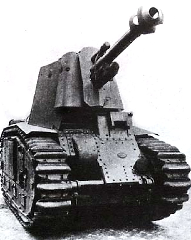 The 75mm gun was removed from the Char B1 hull when the tank was converted into an artillery self-propelled gun.