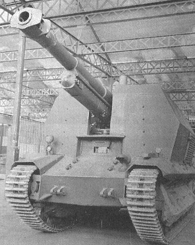 This 10.5cm leFH 16 auf Geschützwagen FCM 36(f) still needs its gun shield fitted before it can leave the tank conversion workshop.
