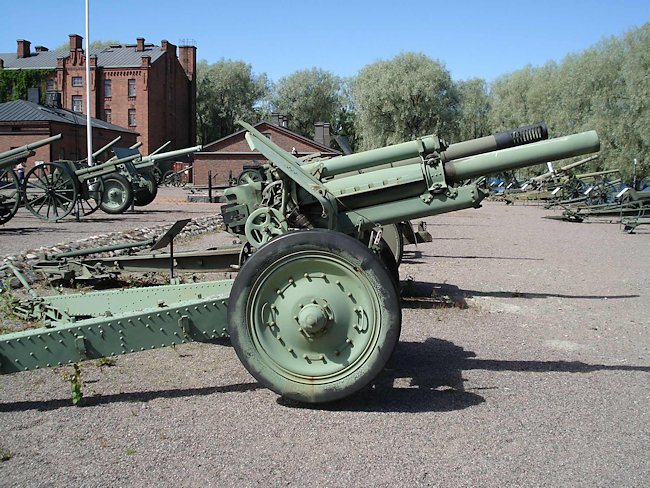 Soviet 122mm howitzer M1938 (M-30) captured by the Finnish Army. It is now on display at the Hameenlinna Artillery Museum in Finland