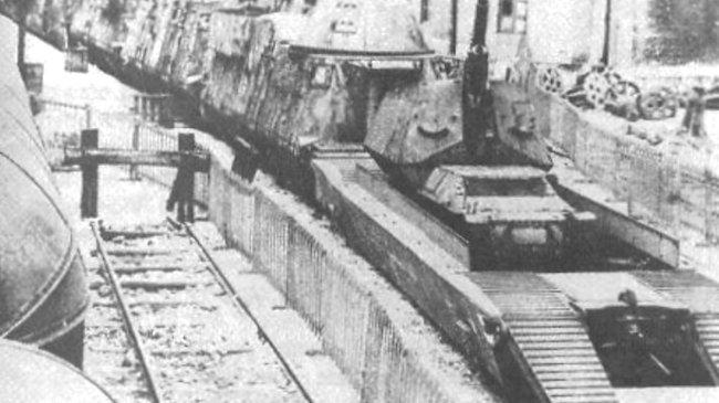 12.2cm FK (r) auf GW Lorraine Schlepper (f) SPG