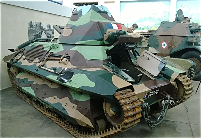 FCM 36 Char léger Modèle 1936 French WW2 light infantry tank at the Musée des Blindés, French Tank Museum, Saumur, France