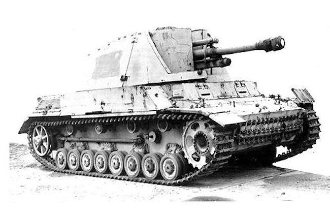10.5cm Leichte Feldhaubitz 18/40/2 L/28 (Sf) auf Geschüetzwagen III/IV
