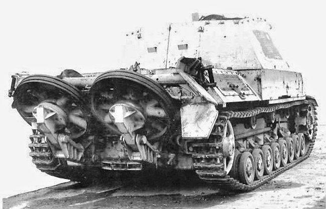 10.5cm Leichte Feldhaubitz 18/40/2 L/28 (Sf) auf Geschüetzwagen III/IV prototype artillery weapon carrier self propelled gun