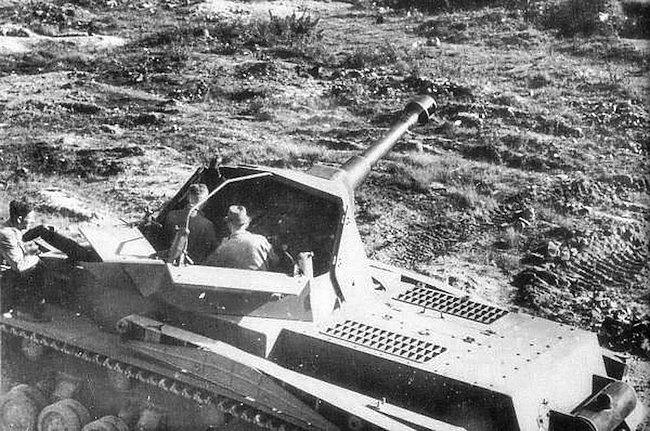10.5cm le.F.H.18/1 L/28 auf Waffenträger IVb prototype