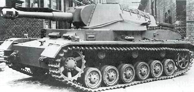 Newly completed 10.5cm leFH 18/1 (Sf) auf GW IVb SPG at the factory.