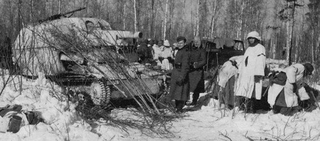 10.5cm LeFH 16 auf Geschutzwagen Mk.VI(e) SPG in winter camouflage