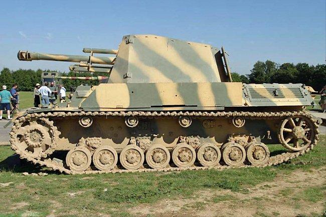 10.5cm leFH 18/40/2 L/28 (Sf) auf Geschuetzwagen III/IV