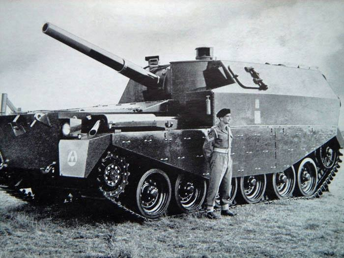 Centurion FV3805 artillery self-propelled gun prototype