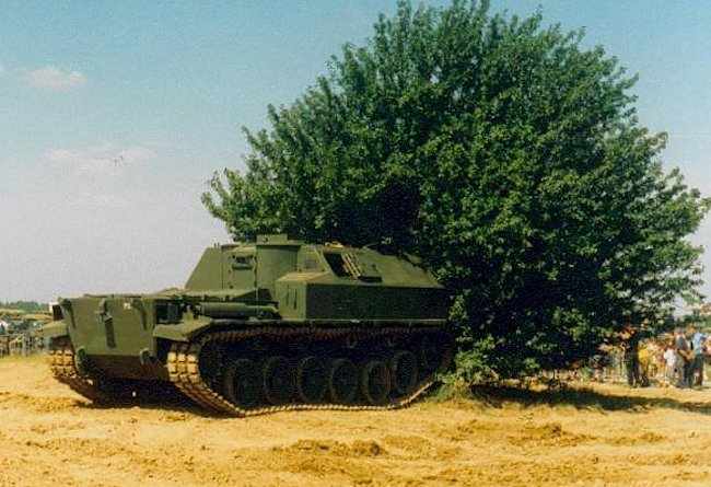 The Centurion FV3805 SPG was originally painted British Army Green.