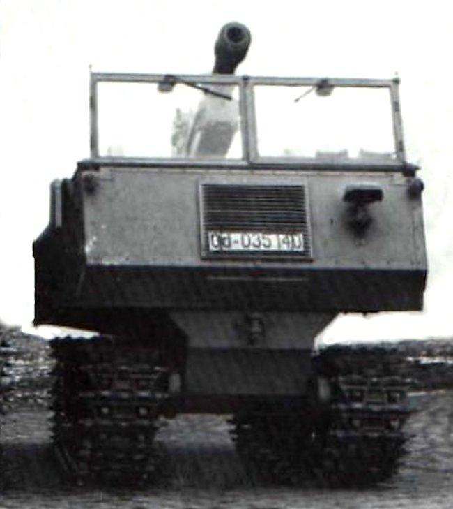Gebirgsraupenschlepper (RSG) mit 7.5 cm Gebirgshaubitze 34