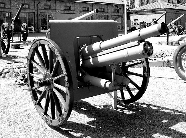 76.2 mm (3 in) Russian Field Gun M1902/30 at the Finnish Artillery Museum.