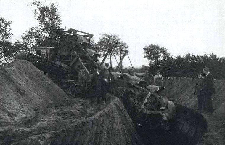 A7V-Schützengrabenbagger trench digger