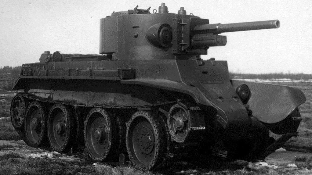 The BT-7 Artillery testing the F-32 76 mm gun.