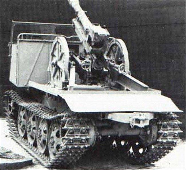 7.5cm Gebirgsgeschütz 36 (7.5cm GebG 36) light mountain howitzer mounted on the rear of a RSO/3