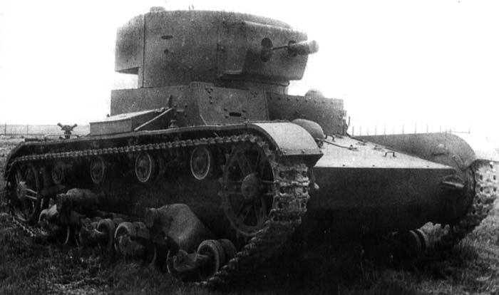 An HT-130 during trials during the late 1930s. The tank is equipped with two radio antennas, indicating it was in fact radio controlled