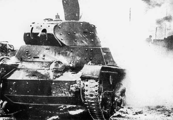 With obvious shielding, this HT-133 sits abandoned in 1941