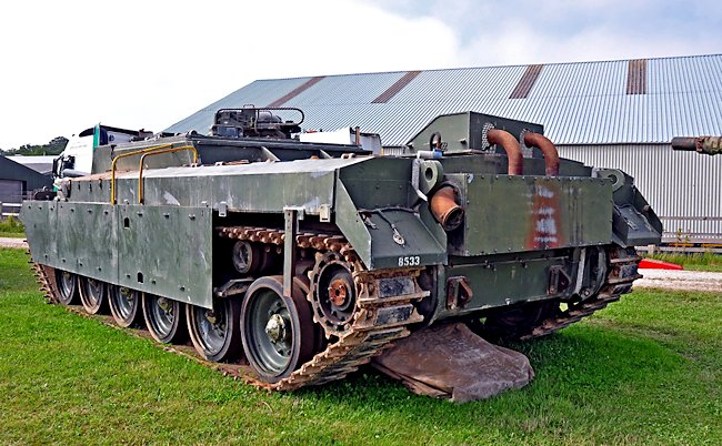 The exhaust system was slightly different to that on the operational Chieftain tank in that it had a raised box on top of the chassis