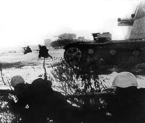 A propaganda photograph of a SU-26 on the advance.