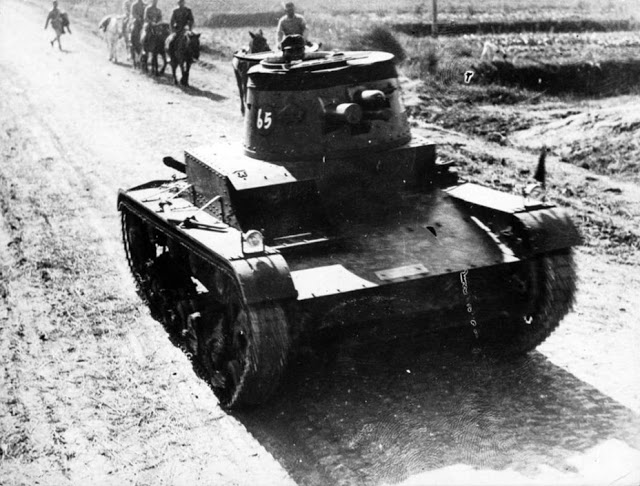 Standard Vickers Mark E Type B in Chinese Nationalist service. Date and location unknown - likely before 1937