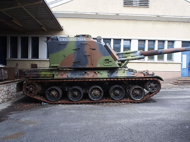 AuF1 155mm GTC side view