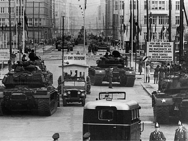 Check Point Charlie tanks facing off Berlin 1961