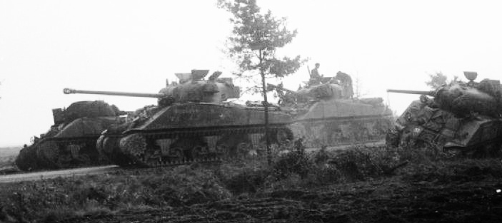"Sherman Firefly ""Boilermaker"" - el tirador encubierto. Sherman_Firefly_tank_of_the_Irish_Guards_Group_op_MarketGarden"